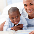 Father with his sick child — Stock Photo