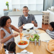 Foto Stock: Afro-american family dining together