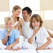Affectionate family singing together — Stock Photo