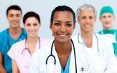 Atraktivní ženský lékař — Stock fotografie