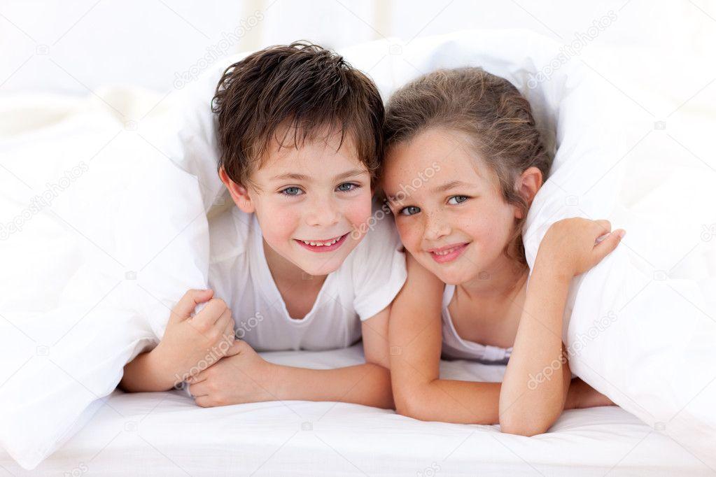 секс брат с сестрой фотки