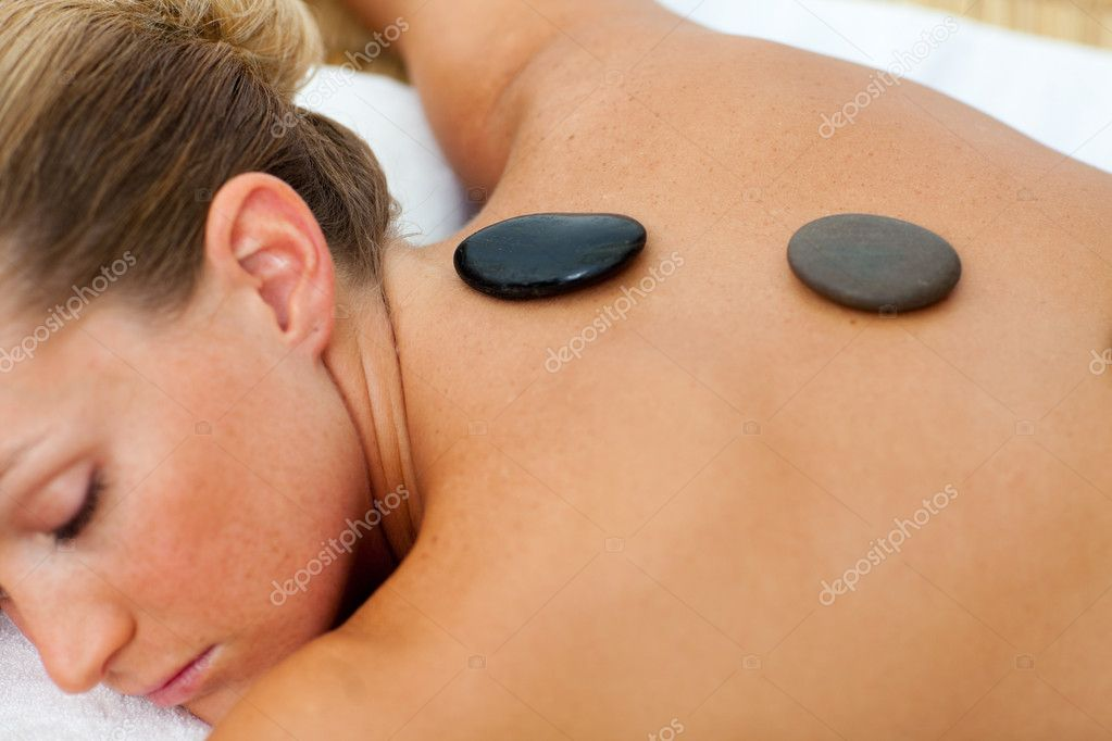 Asleep woman getting spa treatment in a health center — Stock Photo #10297716