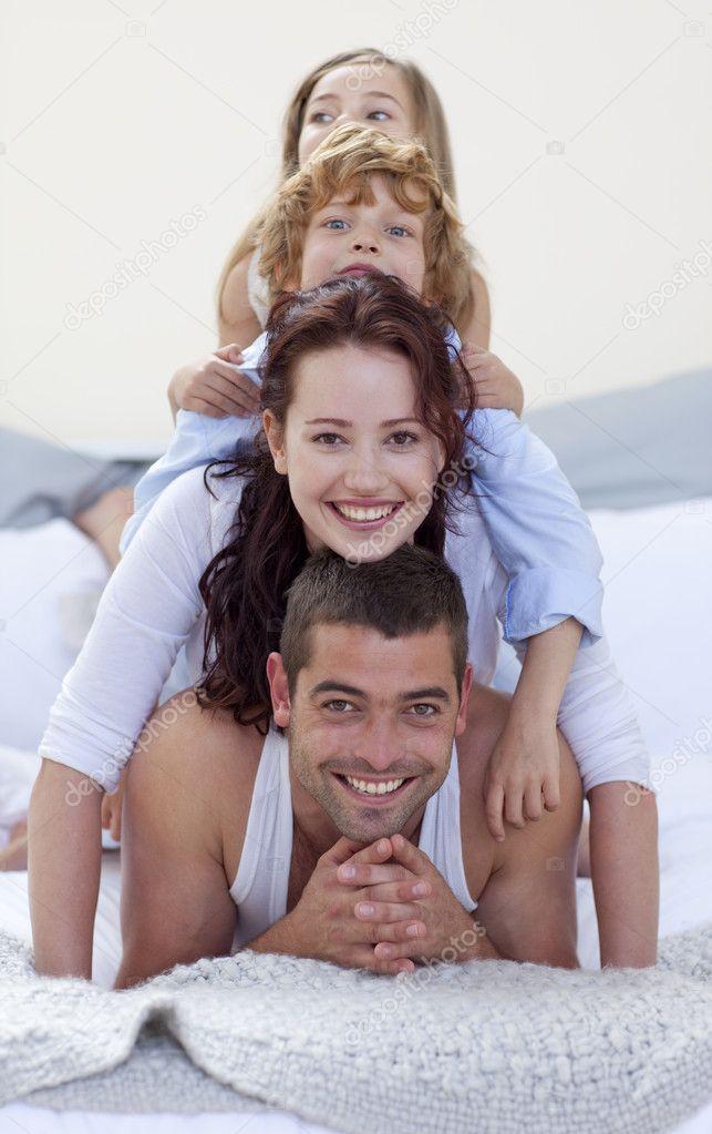 Фото мама с дочкой и сыном