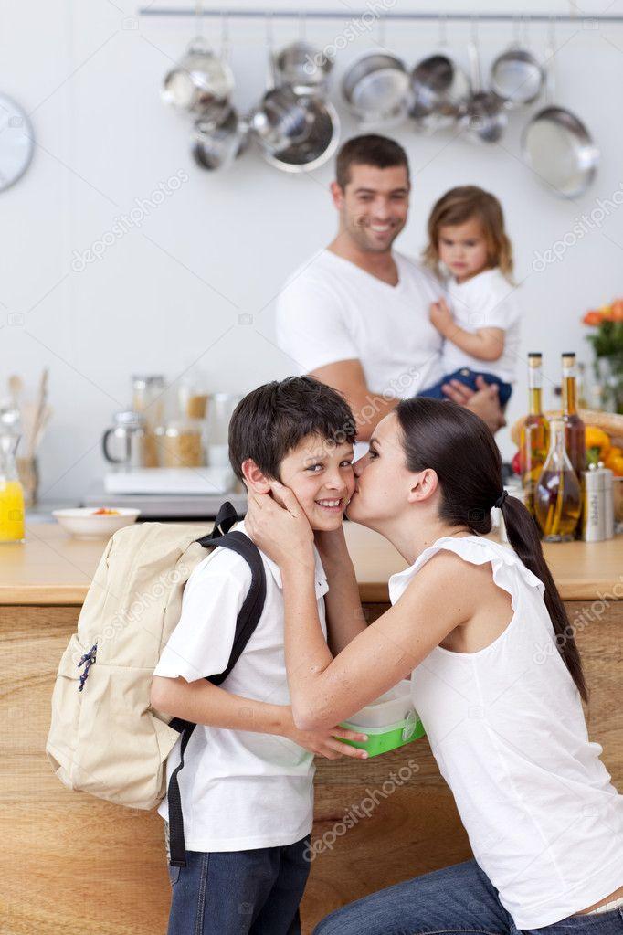 сын трахет мамочку