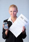 Cumplimentación de declaraciones de impuestos — Foto de Stock