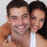 Портрет пару улыбается — Стоковое фото