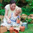 ストック写真: Mother and daughter gardening