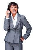 Empresaria sonriente en teléfono — Foto de Stock