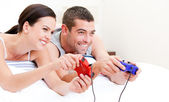 United couple playing video games — Stock Photo