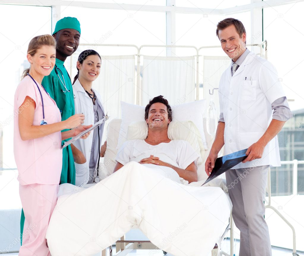 Joven enfermera golpeada por su paciente y médico 4
