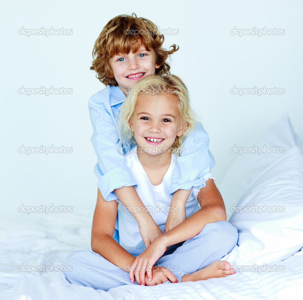 brat-trahnul-sestru-skachat-besplatno