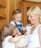 Portrait of a family cooking — Стоковое фото