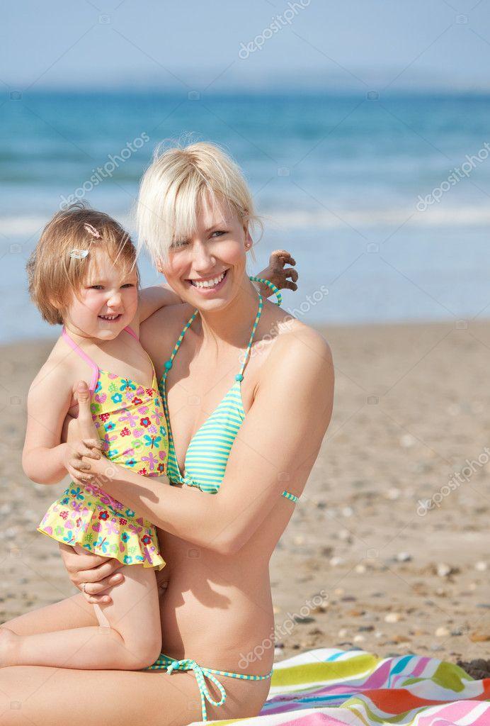 фото голых мам нудисток