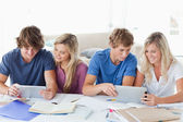 Students working to help one another — Stock Photo