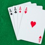 jugando a las cartas en un playmats — Foto de Stock