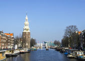 Classical Amsterdam view on canal, the Netherlands — Stock Photo