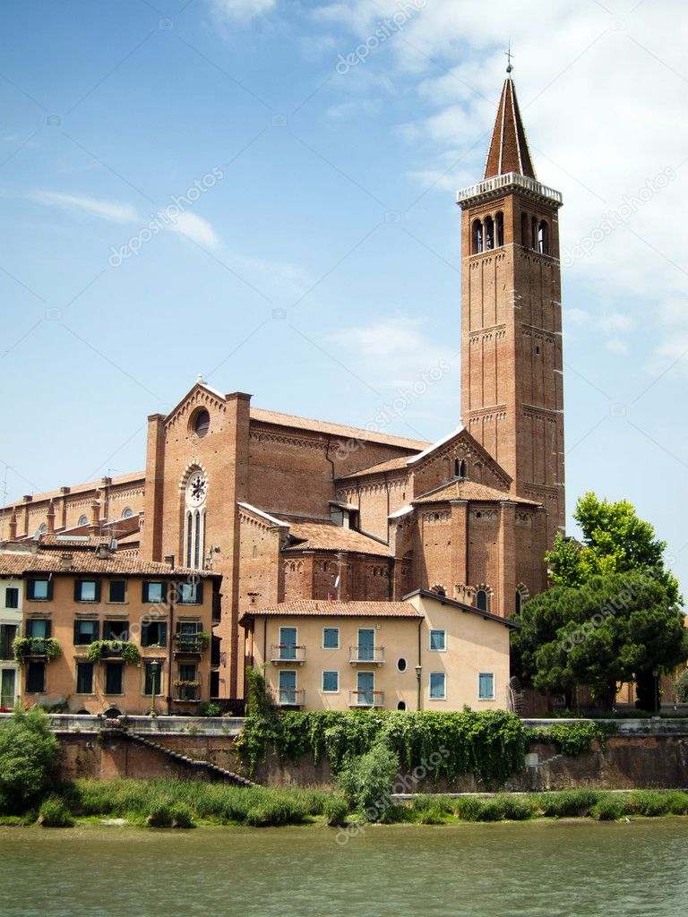 Campanile Sant Anastasia, Verona — Stock Photo #9843552