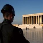 Guarding Anıtkabir (Mausoleum of Ataturk) — Stock Photo