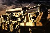 Alte russische militärische transportflugzeug mit raketen — Stockfoto