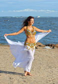 Beautiful woman in white indian dress — Stock fotografie