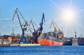 Loď v přístavu — Stock fotografie