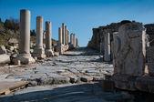 Antik kent günbatımında sokak — Stok fotoğraf
