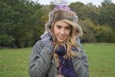 Meisje dat op een wandeling van de winter — Stockfoto