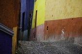 Cobblestone streets, San Miguel de Allende, Mexico — Stock Photo