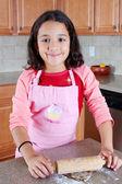 Chica con masa de galletas — Foto de Stock