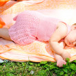 Uyuyan sevimli bebek kız — Stok fotoğraf #9928544