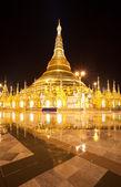 Shwedagon pagoda at night (Vertical view), Rangon,Myanmar — Stock Photo