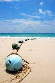 Boyas a la playa de arena, samed island, tailandia — Foto de Stock