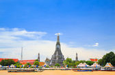 Wat Arun, The Temple of Dawn, view across Chaopraya, river. Bang — Stock fotografie