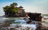 Temple in the sea( Pura tanah lot), Bali, Indonesia — Stock Photo