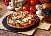 Funghi supreme Pizza — Stock Photo