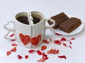 Zwei Kaffeetassen gegen — Stockfoto