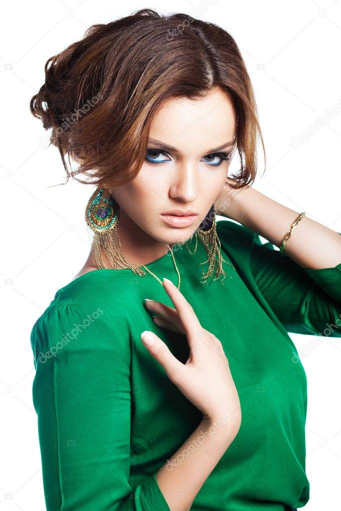юная и молодая девушка фотосессия в зеленых трусиках