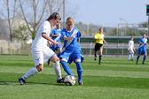 Meisje soccer spel — Stockfoto
