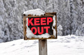 Keep Out Wooden Sign in Snow — Stock Photo