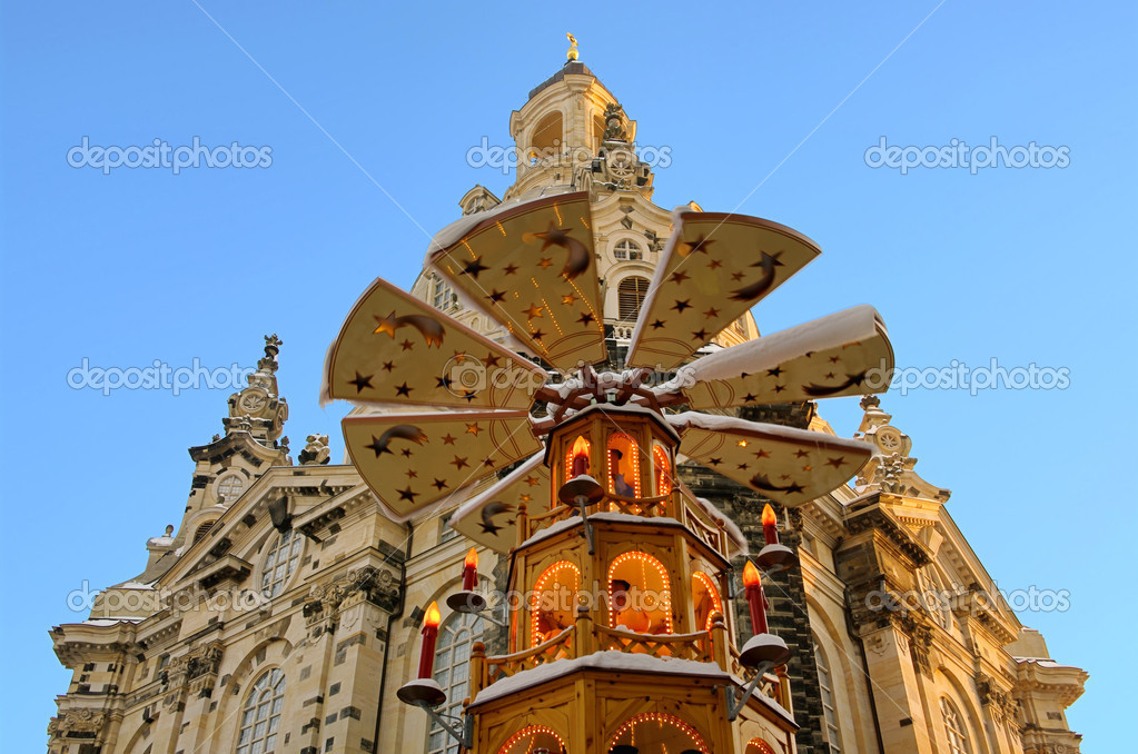 Dresden christmas market church of our lady 01 — Stock Photo #10367160