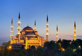 Illuminated Sultan Ahmed Mosque during the blue hour — Stock Photo