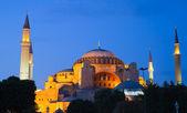 Illuminated Hagia Sophia at dawn — Stock Photo