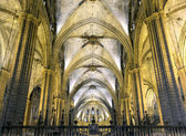 Nave of gothic cathedral, Barcelona — Stockfoto