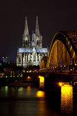 Cityscape of Cologne at night — Stock Photo