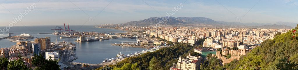 Panorama of Malaga with harbour, Andalusia, Spain — Stock Photo #10271299
