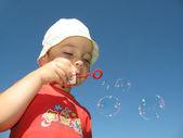 Little boy make ballon — Stock Photo