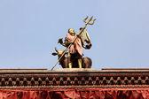 Piccola statua sul tempio indù — Foto Stock