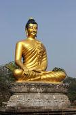 Golden Buddha Statue — Stock Photo