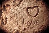 Nápis na skále lásky — Stock fotografie