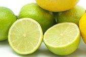 Lime och citroner — Stockfoto